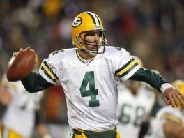 Speel als Quarterback Brett Favre en vele andere vedetten.