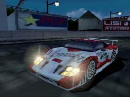 In deze game speel je met verschillende realistiche racewagens.